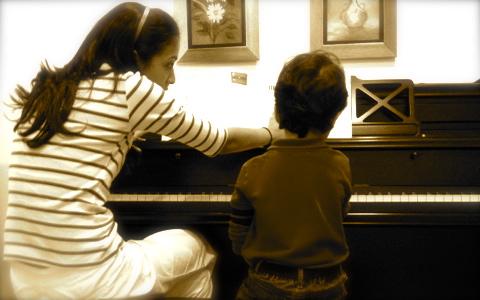 Tus hijos, la música y como enamorarse de algún instrumento musical.